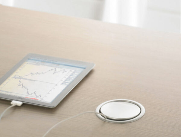 EVOline Port / Silver / 3x pop up socket-1886