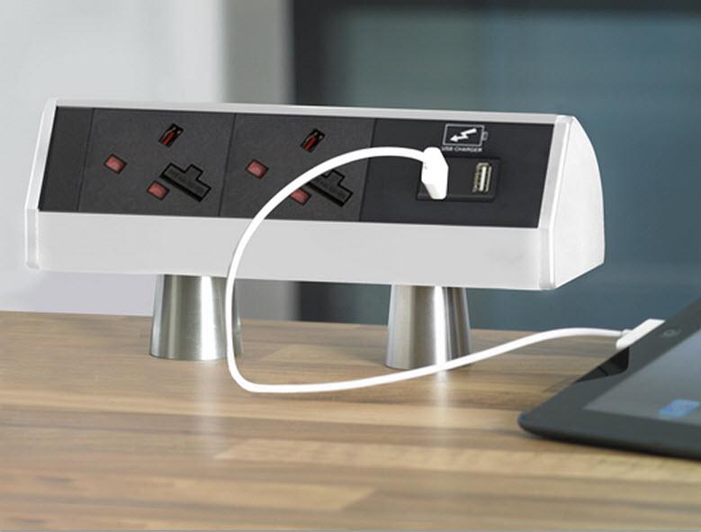 EVOline T-Dock / 1x power socket / 1x USB charger / sides color alanox-2528