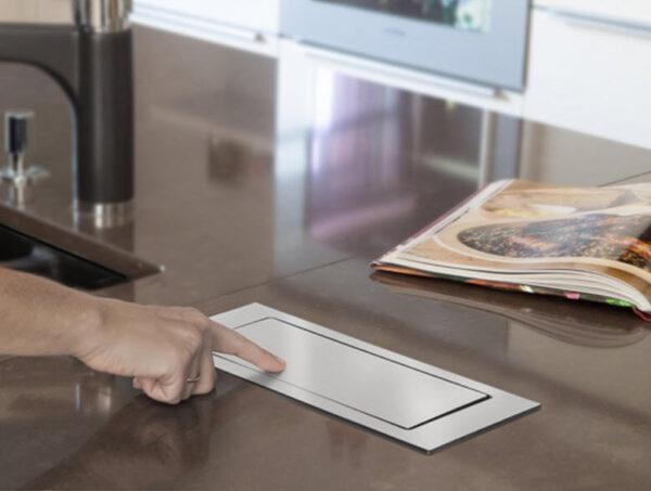 EVOline Backflip white glass top / 2x power socket / 1x USB Charger-3283